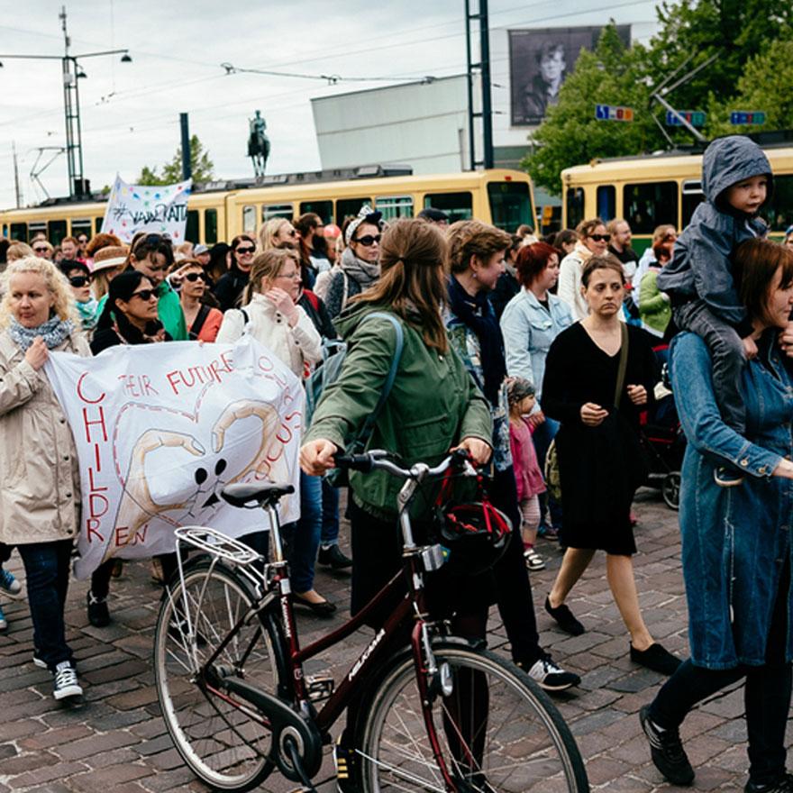 Suomalaiset luottavat Euroopan unioniin (tutustu teokseen)