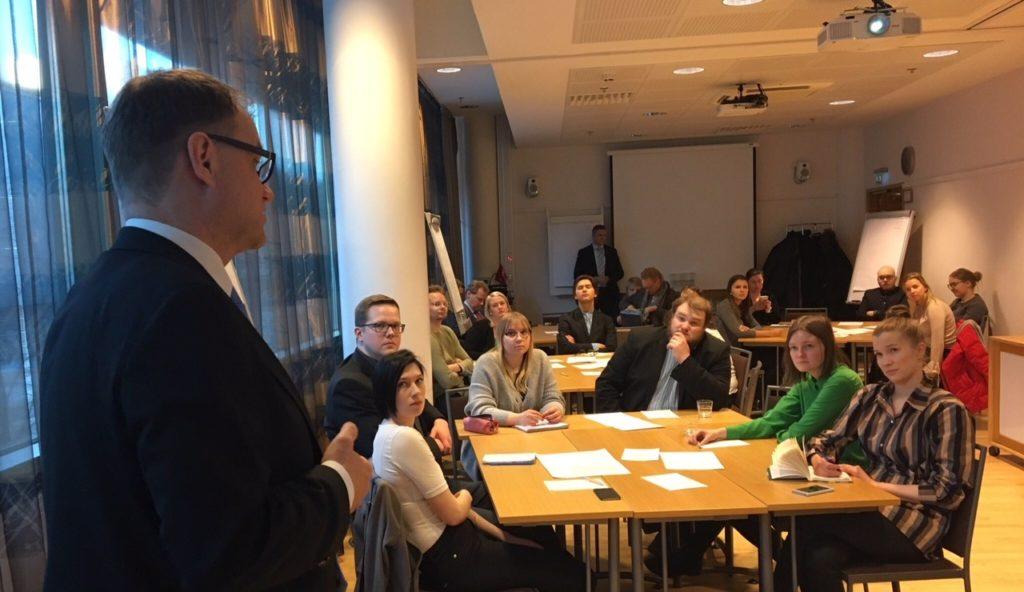 Pääministeri Juha Sipilä aloitti EU-keskustelutilaisuudet Oulusta helmikuun lopulla.