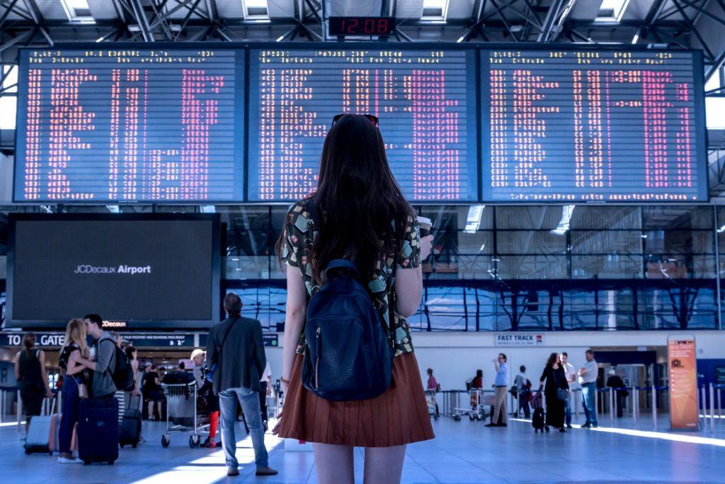 Flygpassagerares rättigheter trädde i kraft i EU 2004.