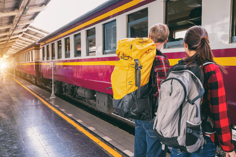 Junalla matkustaessa junamatka on myös osa matkaa, eikä vain paikasta paikkaan siirtymistä.