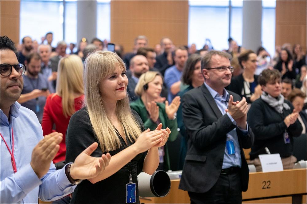 Alviina Alametsä on Suomen uusin meppi. Hän aloitti työnsä Euroopan parlamentin jäsenenä Ison-Britannian erottua EU:sta. Kuva: Euroopan parlamentti